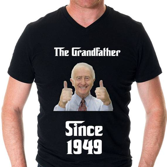 חולצה מודפסת לגבר ״grandfather since״