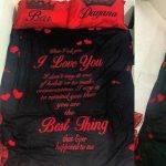 מצעים מודפסים סט שחור אהבה באדום