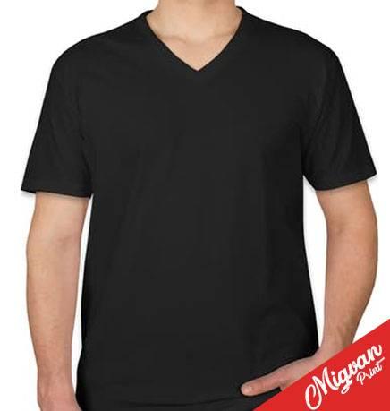 חולצה שחורה עם הדפסה