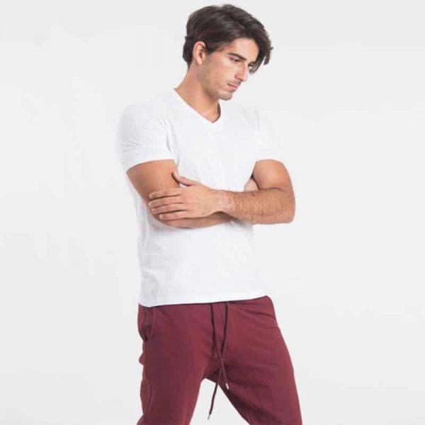 חולצת צווארון וי גברים קצרה בצבע לבן [ מותג – Hanes ]