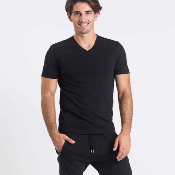 חולצת צווארון וי גברים קצרה בצבע שחור [ מותג – Hanes ]