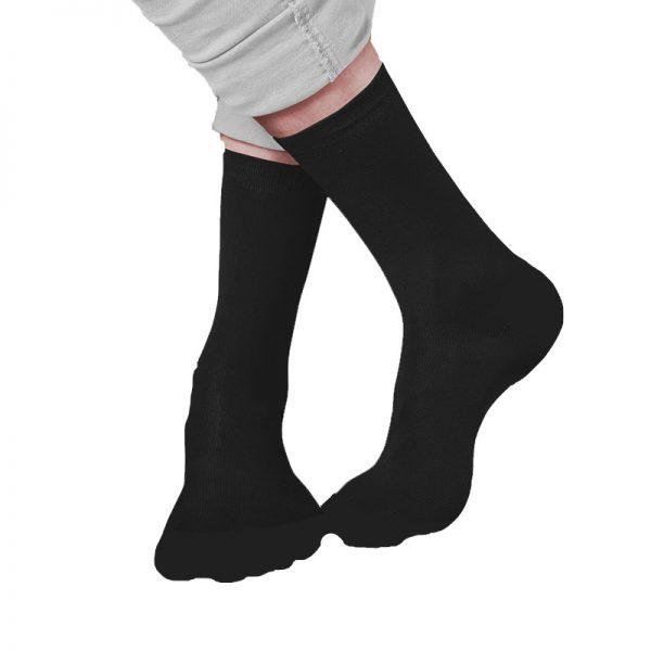 גרביים שחורות בעיצוב עצמי