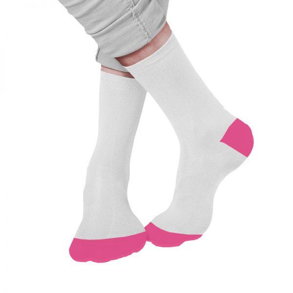 גרביים לבנות עם קצה ועקב ורודים בעיצוב עצמי